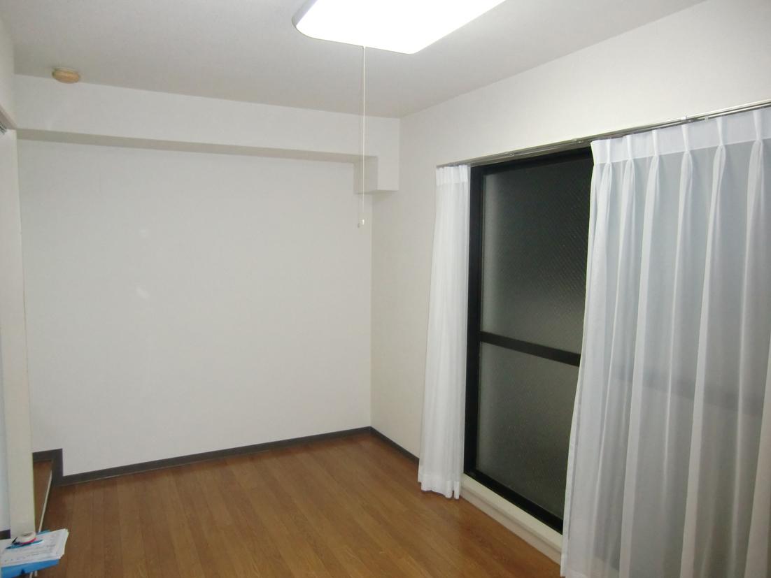 家具も一緒にプレゼント!?小さいワンルームもおしゃれに変身♬・空室対策前