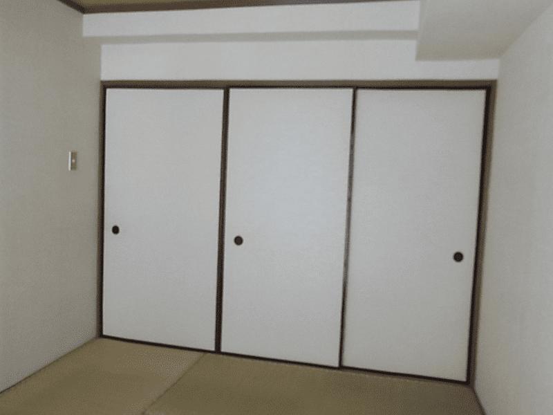 本物を使わなくても出来ます!デザインクロスや床材で作るナチュラルリノベ空間・空室対策前