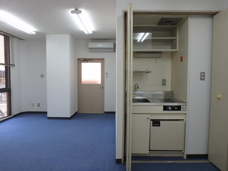 グレイッシュカラー基調の事務所リノベーション・空室対策前
