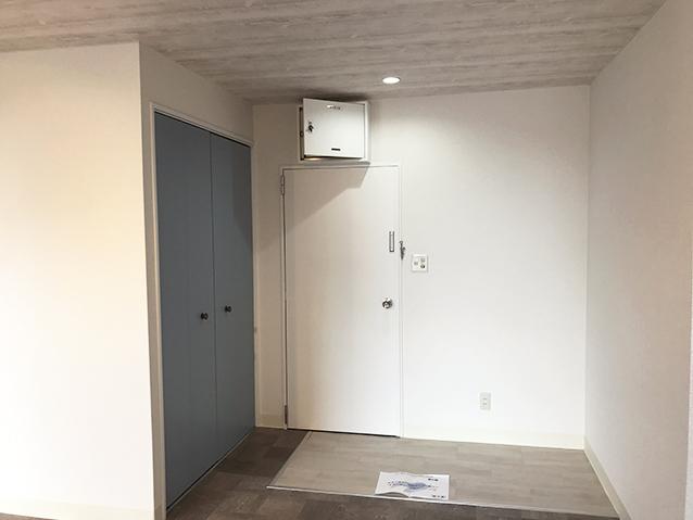 グレイッシュカラー基調の事務所リノベーション・空室対策後