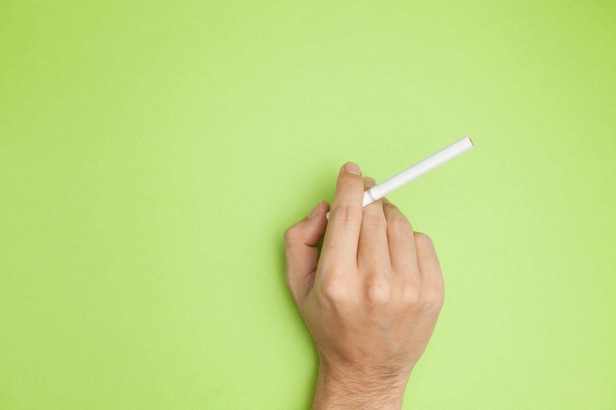 壁紙のヤニ落としの方法とは?原状回復させる掃除のコツ