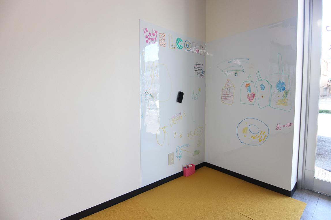 キッズスペースを兼ねた事務所エントランス・空室対策後